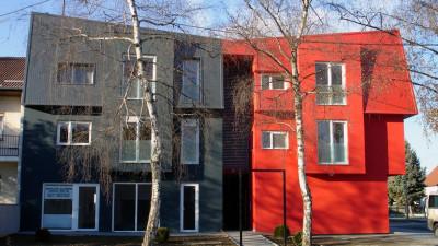 R Apartment building